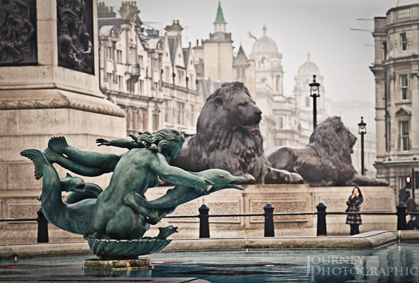 Picture of fountain and lions in Trafalgar Square, London.
