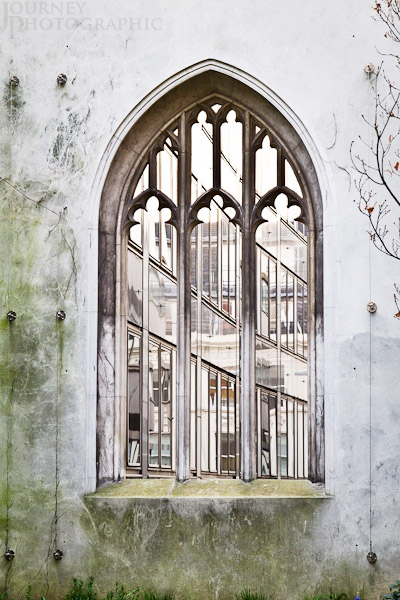 Picture of the ruined window of St Dunstan in the East, London