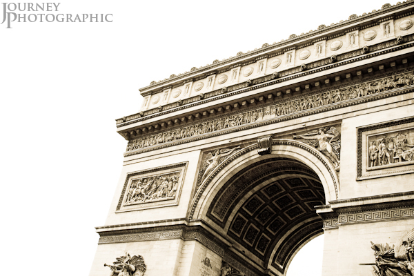 Duotoned picture of the Arc de Triomphe, Paris, France
