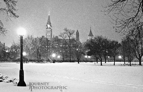 Black and white landscape picture of the Canadian Parliament in the snow, Ottawa