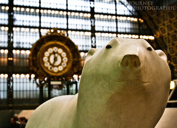Picture of Pompon's Polar Bear sculpture, Musee d'Orsay, Paris