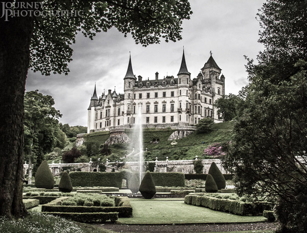 Picture of fairytale castle and fountain, Dunrobin, Sutherland, Scotland