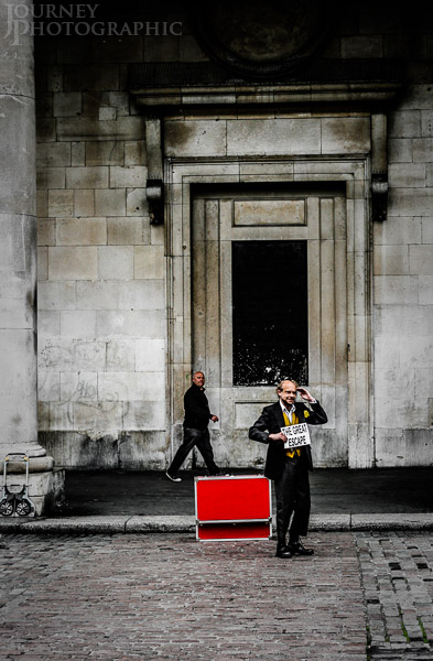 Picture of busker in Covent Garden, London